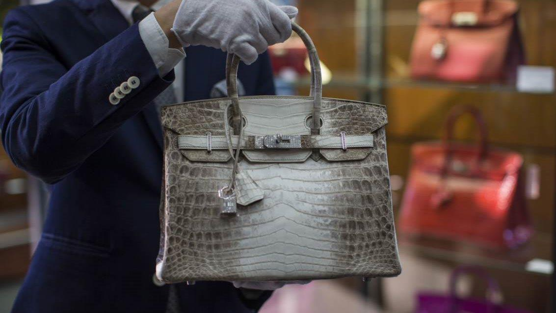 Fashion designer Pnina Tornai discusses what makes Birkin bags a good investment.