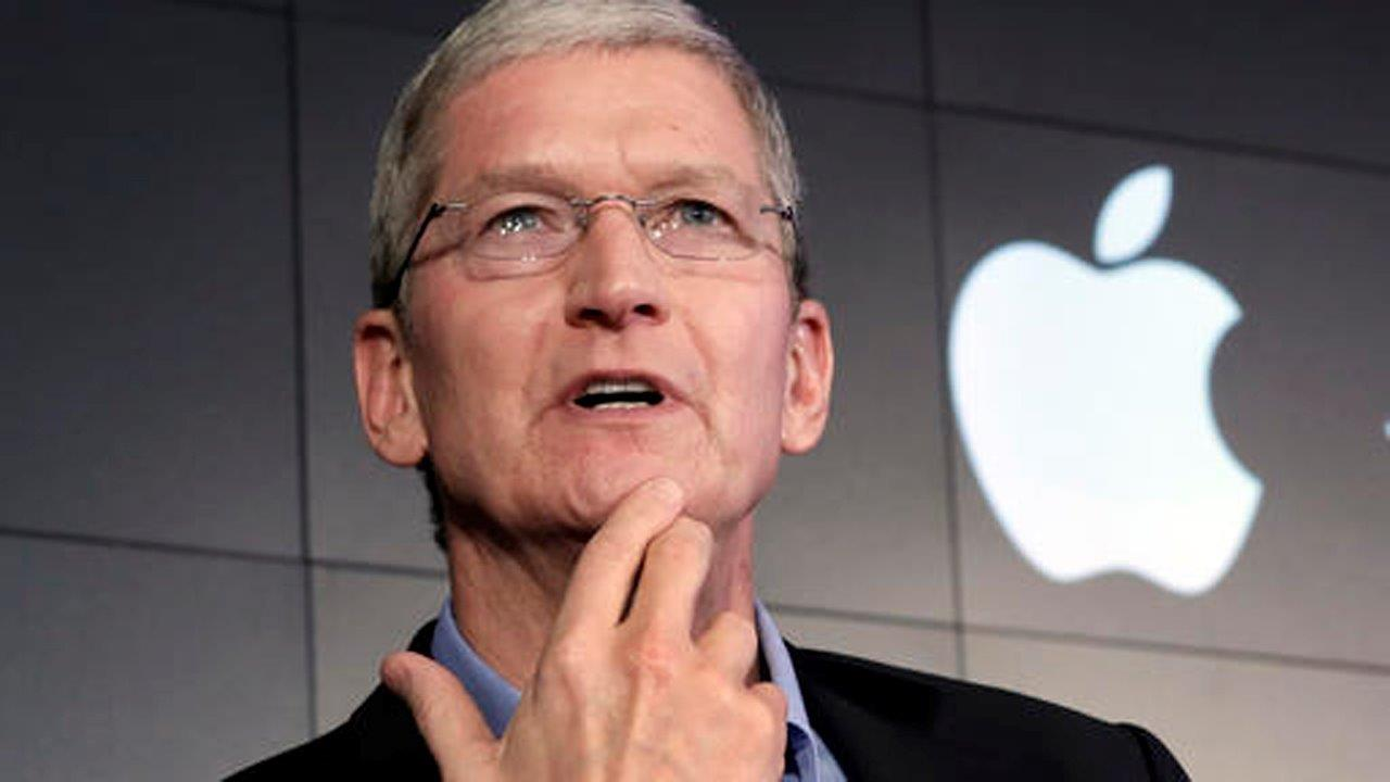 Apple's Cook takes stand on privacy