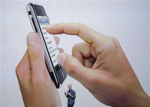 'The Security Brief' host Paul Viollis says Apple has the ability to unlock the phone of the San Bernardino shooter.