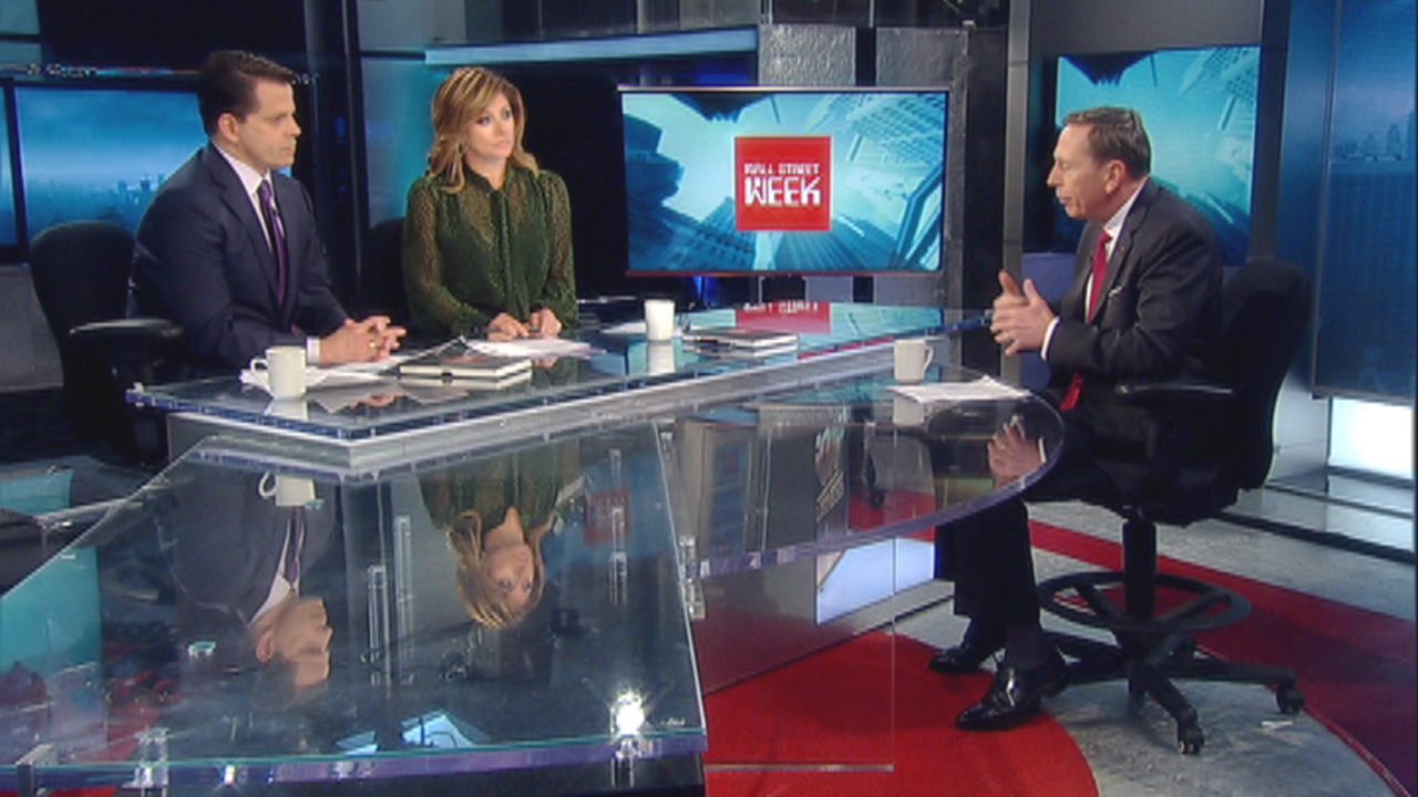 Retired Gen. David Petraeus talks to FBN contributor Anthony Scaramucci and Mornings with Maria host Maria Bartiromo about Hillary Clinton's email scandal during the debut of Wall Street Week.