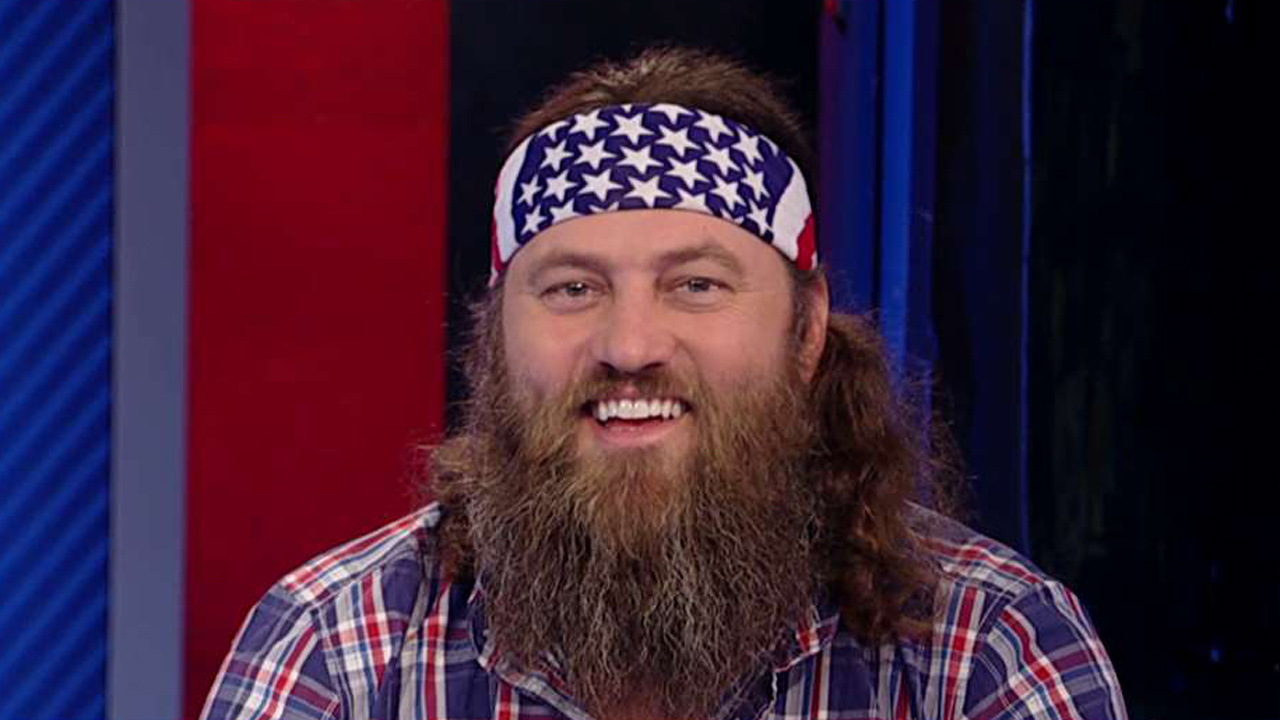 Duck Dynasty Star Willie Robertson on Hillary Clinton's stance on guns and Ted Cruz's campaign in Indiana.