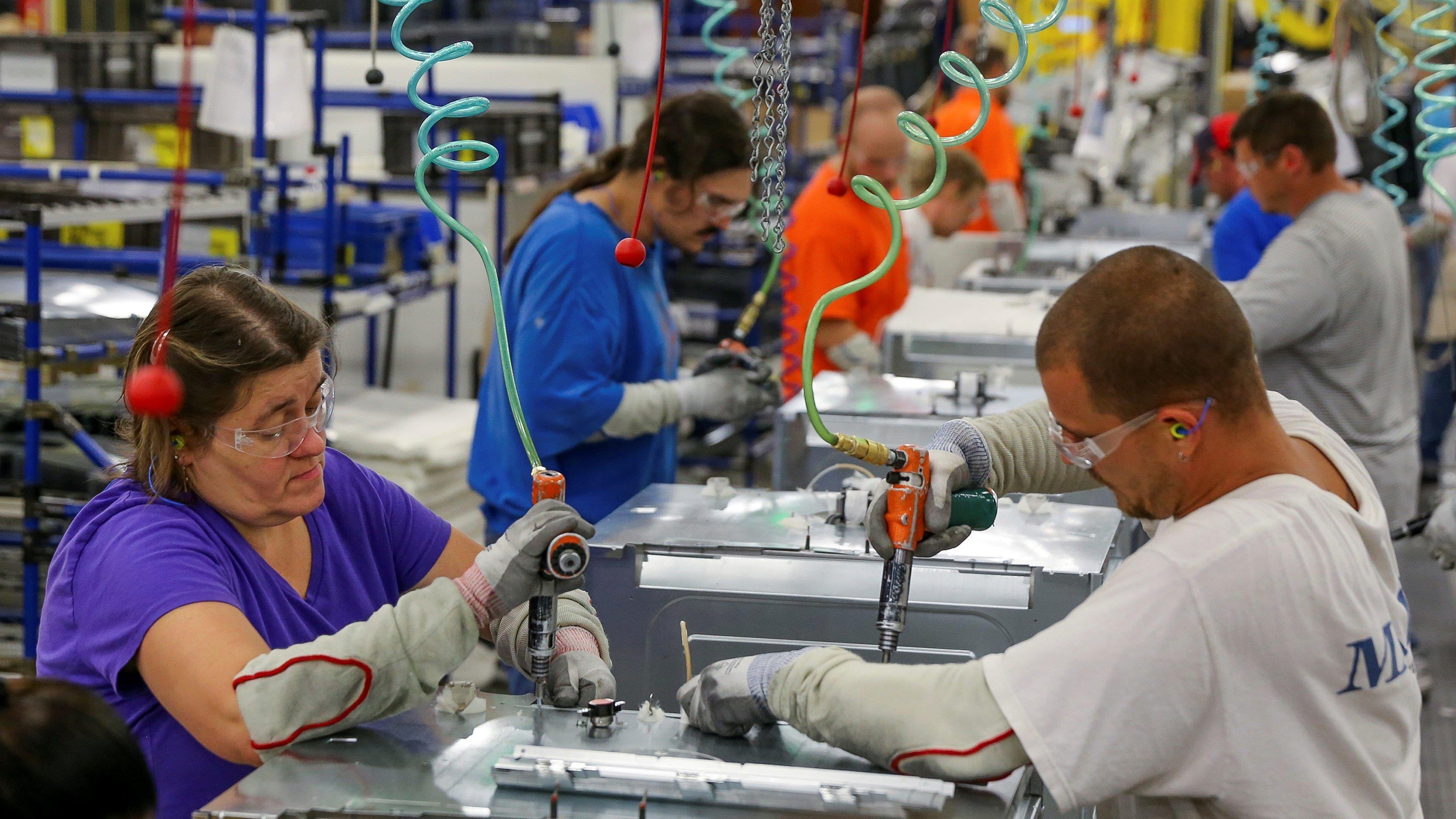 U.S. economy grows 0.5 percent in 1Q