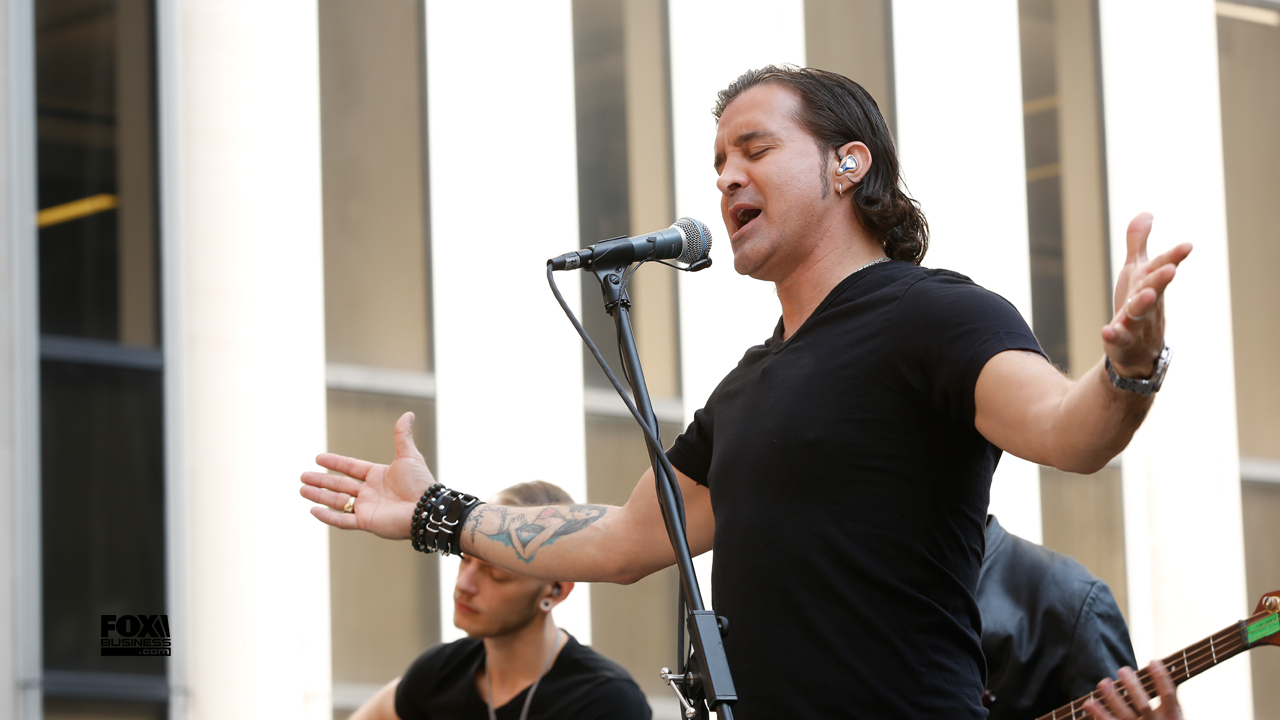 Singer Scott Stapp performs the hit song 'With Arms Wide Open' on Mornings with Maria.