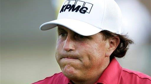 The SEC says golfer Phil Mickelson profited from Dean Foods insider trading. FBN's Liz MacDonald with more.