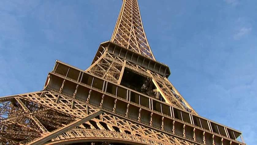 HomeAway.com Co-Founder Brian Sharples on the contest to win a stay at an apartment in the Eiffel Tower.