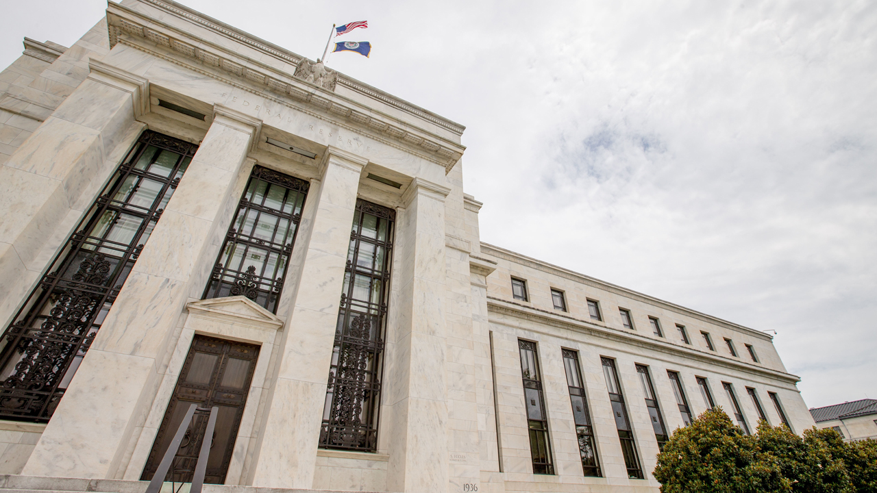 FBN's Peter Barnes breaks down the details of the latest Fed minutes.