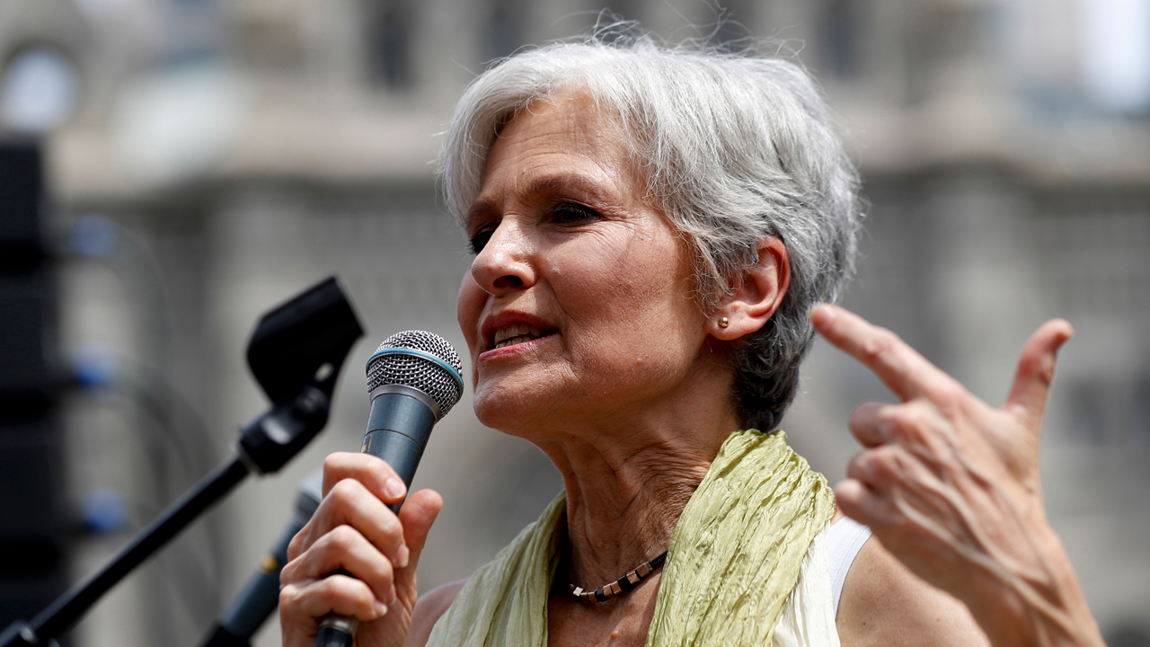 Green Party presidential nominee Jill Stein discusses ending the dependency on fossil fuels by 2030.