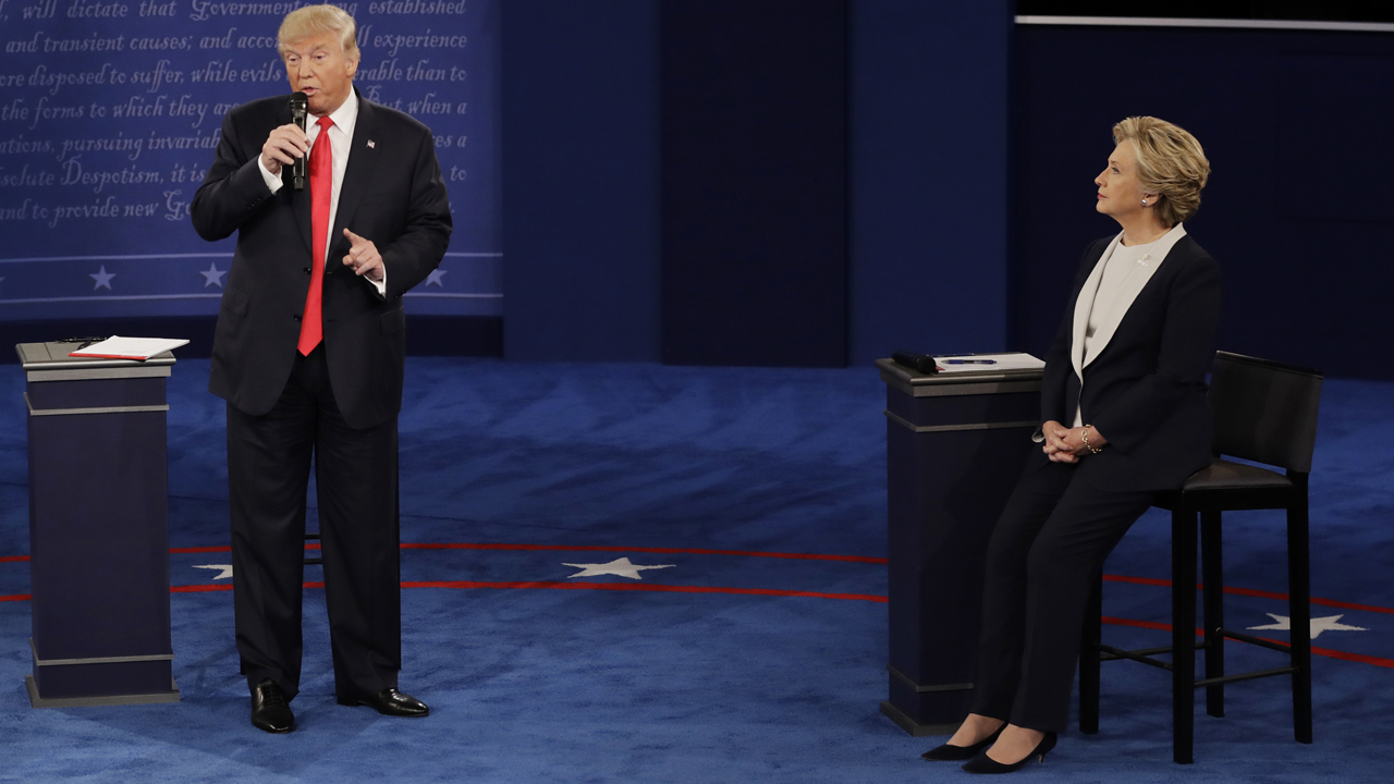 Republican presidential nominee Donald Trump says, if elected, he would appoint a special prosecutor to look into Hillary Clinton's use of a private email server during her tenure as Secretary of State.