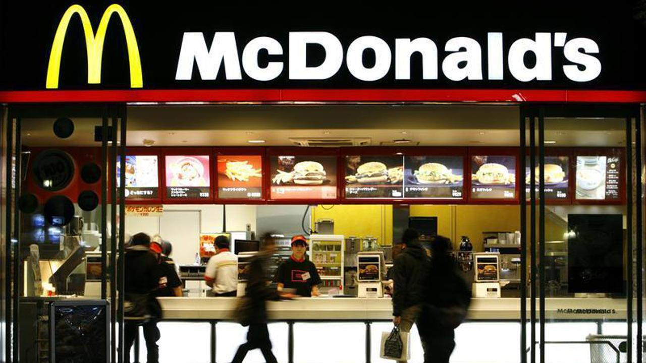 Varney & Co. panel weighs in on McDonald's plans to partner with Uber Eats to test home delivery in some cities in 2017.