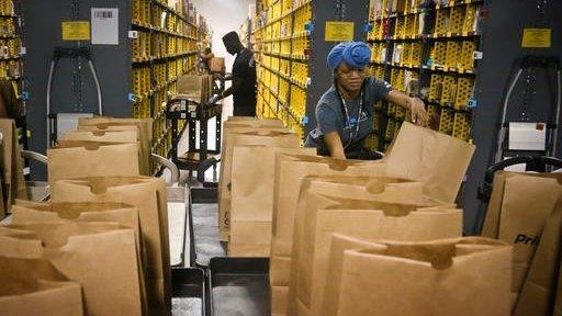 Amazon Christmas deliveries in less than two hours | Fox Business ...