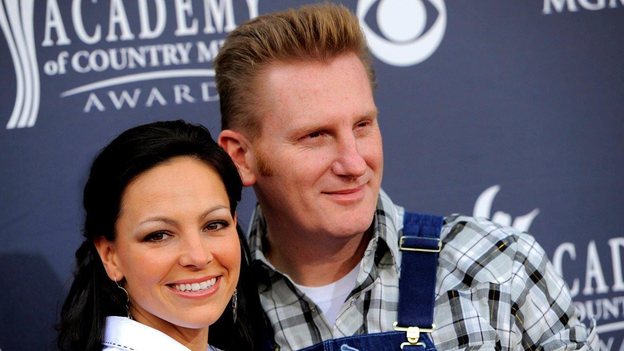 Country music singer Rory Feek on the loss of his wife Joey to cancer.