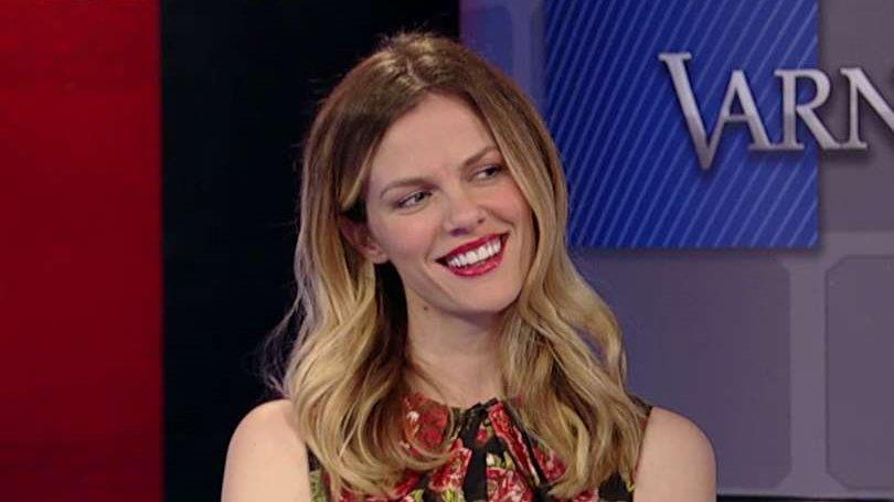 Model Brooklyn Decker on her new website that helps women shop smarter.