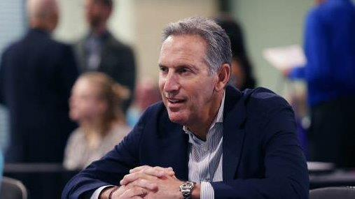 Former Starbucks CEO Howard Schultz told workers that President Trump created 'chaos' in America.