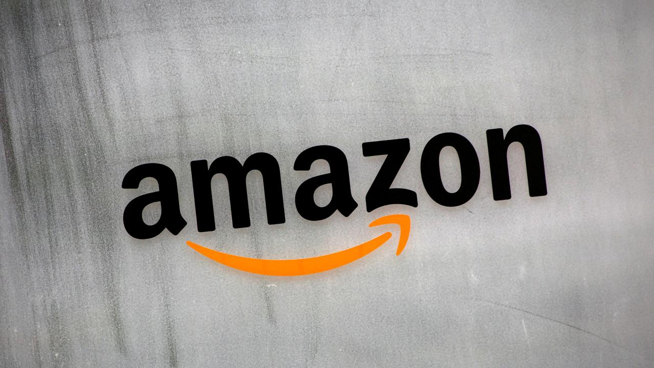 Amazon Books Vice President Jennifer Cast tells FBN's Tracee Carrasco why the online retailer decided to open up New York City's first brick and mortar Amazon bookstore.