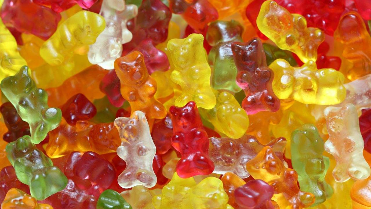 Gummi bears are finally getting a makeover after nearly 100 years. A 22-year-old Canadian entrepreneur has taken the popular 1920s confectionery candy and turned it into a healthier treat without any processed sugar.
