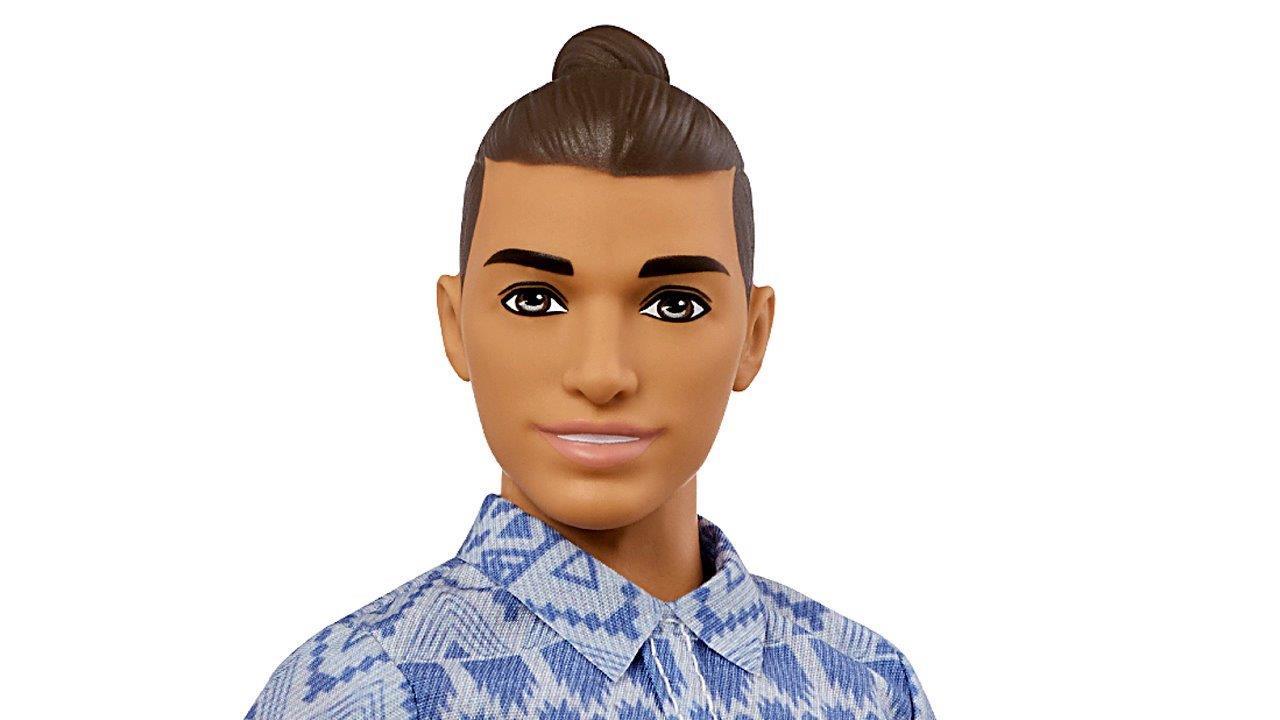 FBN's Cheryl Casone and Lauren Simonetti on Mattel giving the Ken doll a variety of new looks.