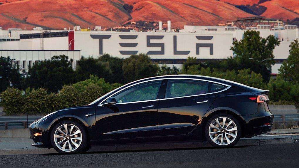 Loup Ventures managing partner Gene Munster argues Tesla's Model 3 has the same opportunity to be as popular as the iPhone.