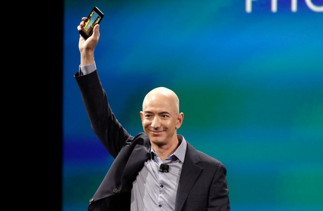 Amazon founder Jeff Bezos surpasses Bill Gates to become the richest man in the world with a net worth of $90.8 billion.