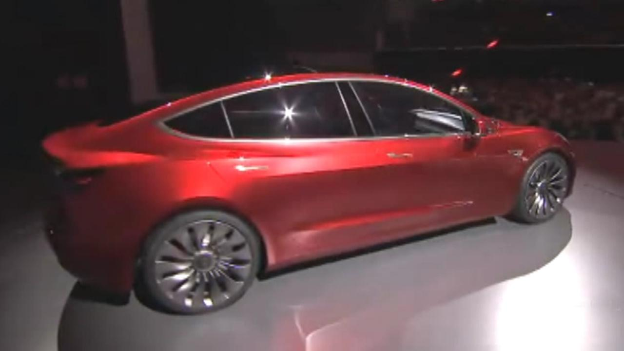 Tesla reservations averaging 1,800 orders a day