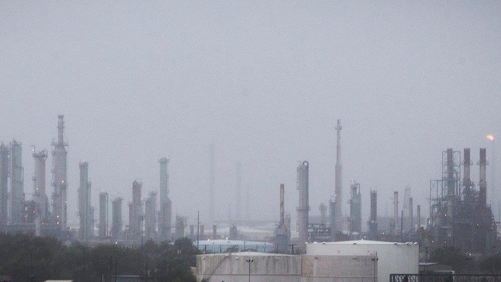 Lipow Oil Associates president Andy Lipow breaks down his concerns over Harvey's impact on refineries.