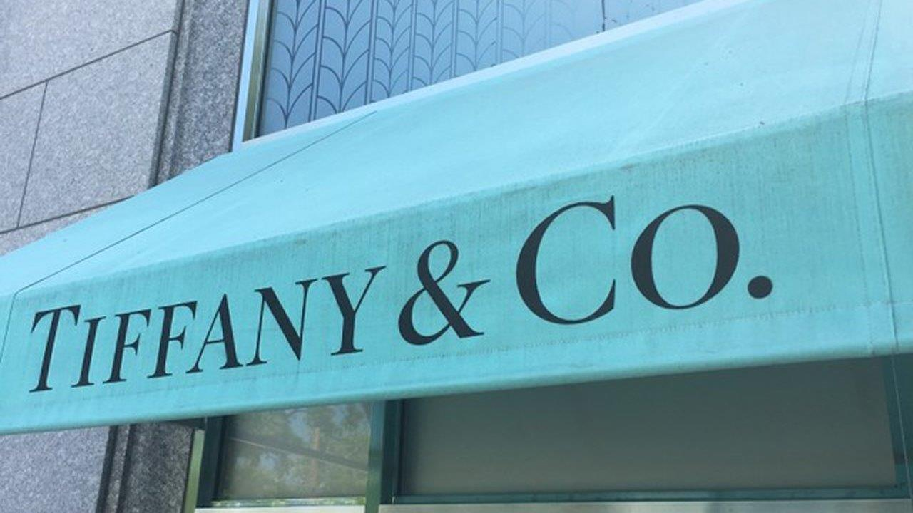 FBN's Tracee Carrasco on a judge ruling Costco will pay Tiffany at least $19.4 million for selling counterfeit rings.