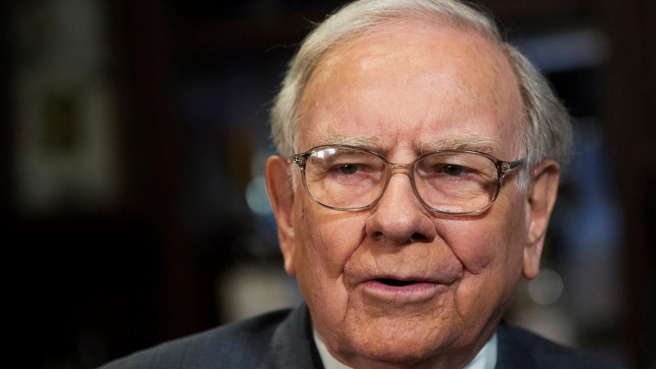 Brandywine Global Portfolio Manager Jack McIntyre on Berkshire Hathaway CEO Warren Buffett's comments on the outlook for stocks.