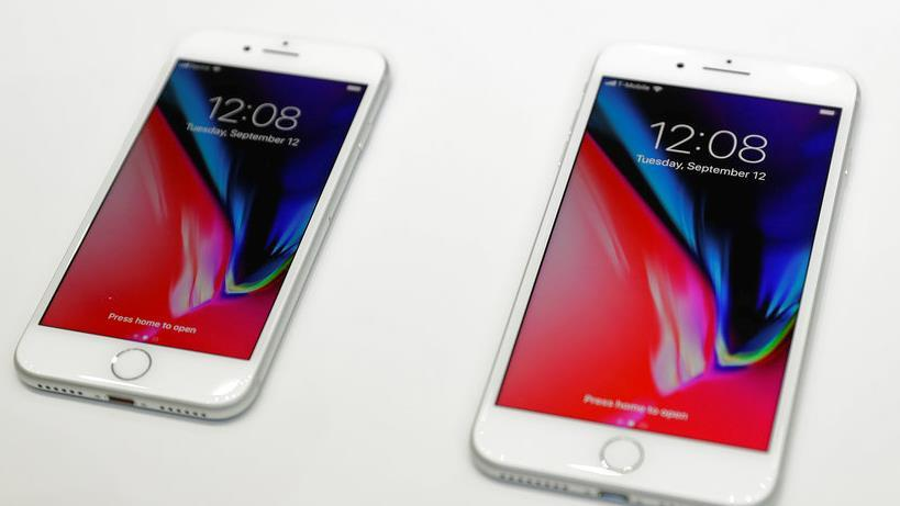 Enderle Group President Rob Enderle discusses why Apple's new iPhone is worth its price tag.