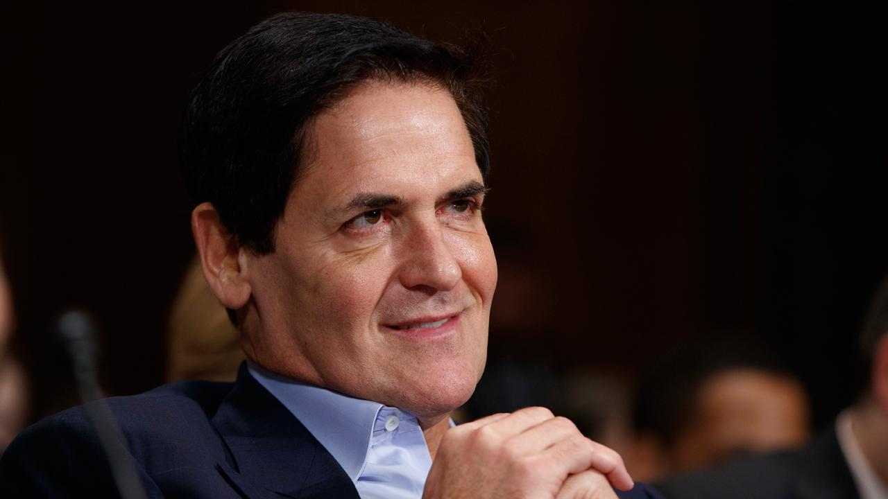 Billionaire Mark Cuban applauded President Trump's efforts to work with Democrats on a short-term increase to the debt ceiling.