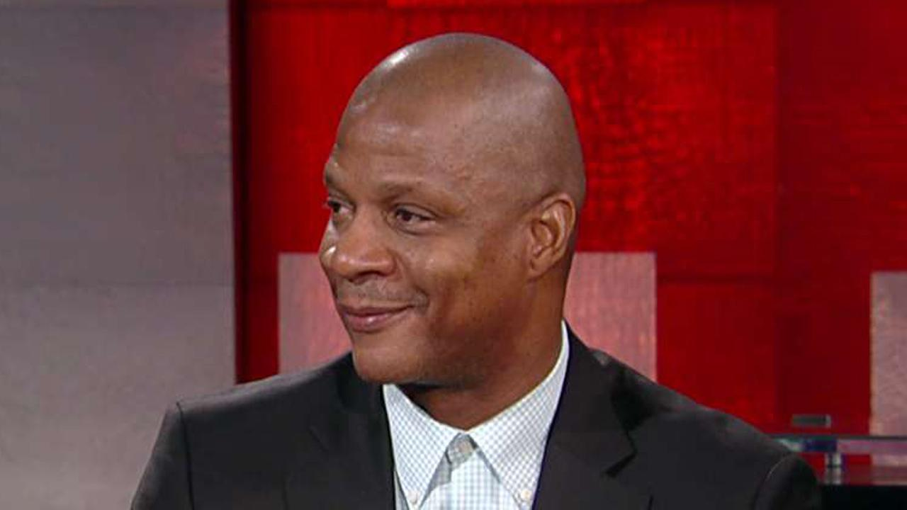 Former New York Mets and New York Yankees player Darryl Strawberry reacts to ESPN anchor Jemele Hill's tweet calling President Trump a white supremacist.