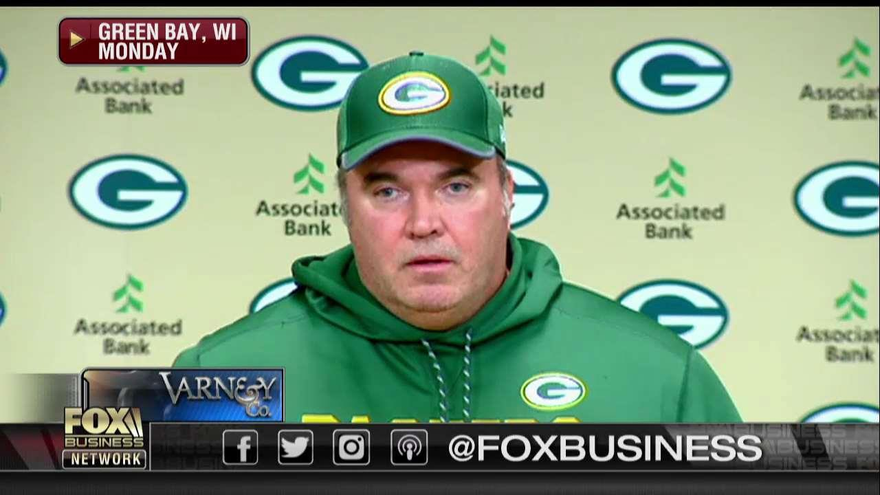 Mike McCarthy gets angry as reporter asks about Kaepernick