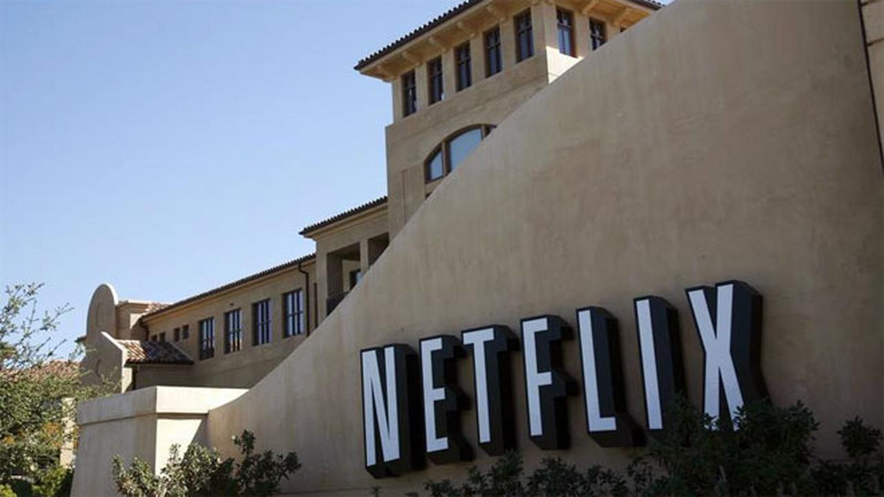 Disruptive Tech Research founder Lou Basenese on the outlook for Netflix.