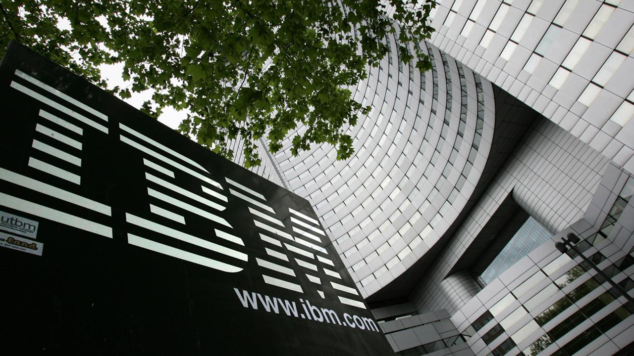 FBN's Nicole Petallides reports on IBM's third-quarter earnings.