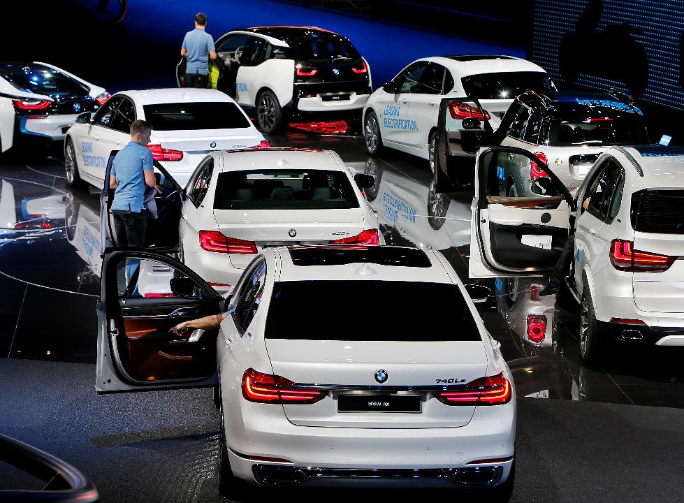 During an interview with FBN's Hillary Vaughn, BMW North America CEO Bernhard Kuhnt said the German company is preparing to invest more money in the U.S.