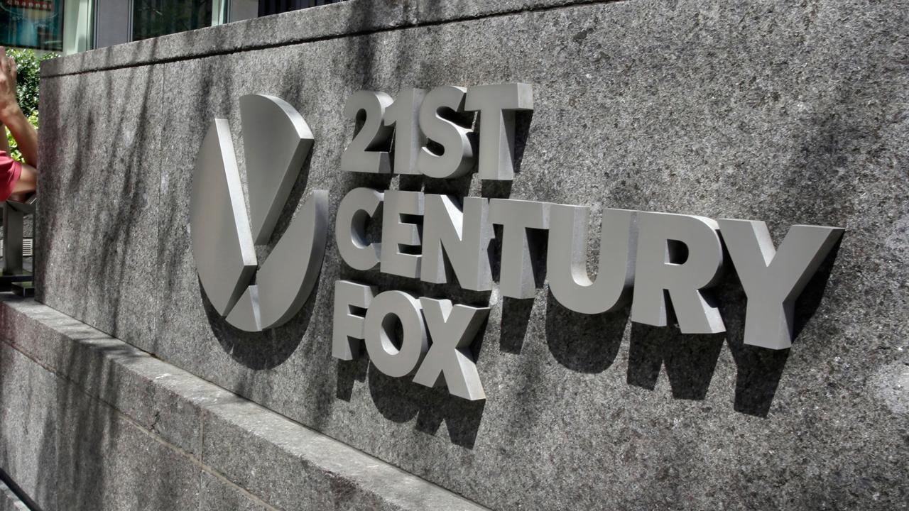 FBN's Charlie Gasparino explains reports that some technology companies, including Amazon and Apple, are exploring options to buy out some of 21st Century Fox's assets.