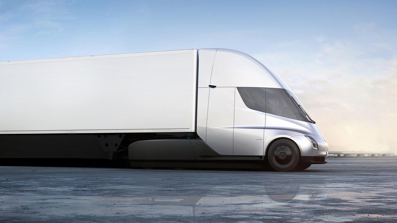 Truck driver Matthew Garnett explains why he doesn't trust Tesla's prototype electric semi-truck.