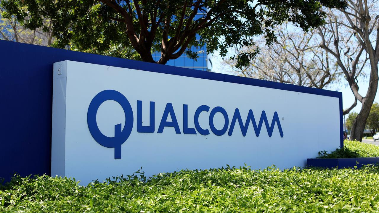 Rhino Trading Partners Chief Strategist Michael Block, pollster Lee Carter and FBN's Dagen McDowell on Broadcom's bid to buy Qualcomm.
