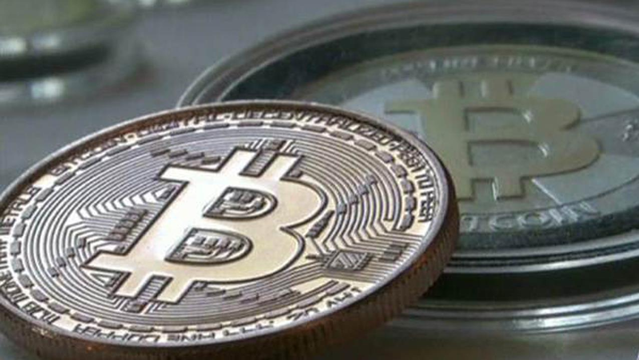 'Retire Inspired' author Chris Hogan on financial resolutions for Americans in the year ahead and the bitcoin craze.