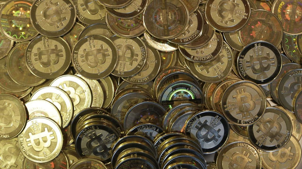 Historian and author Niall Ferguson on concerns about a potential bitcoin bubble.