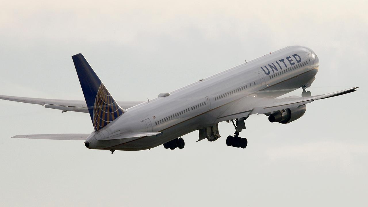 Fox Business Outlook: Airline announces it will offer additional flights to get fans to big game.