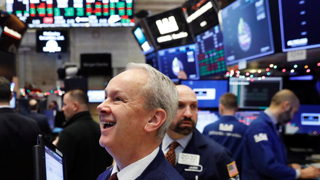 Nuveen Asset Management chief equity strategist Bob Doll gives his predictions for the market and his economic outlook for 2018.