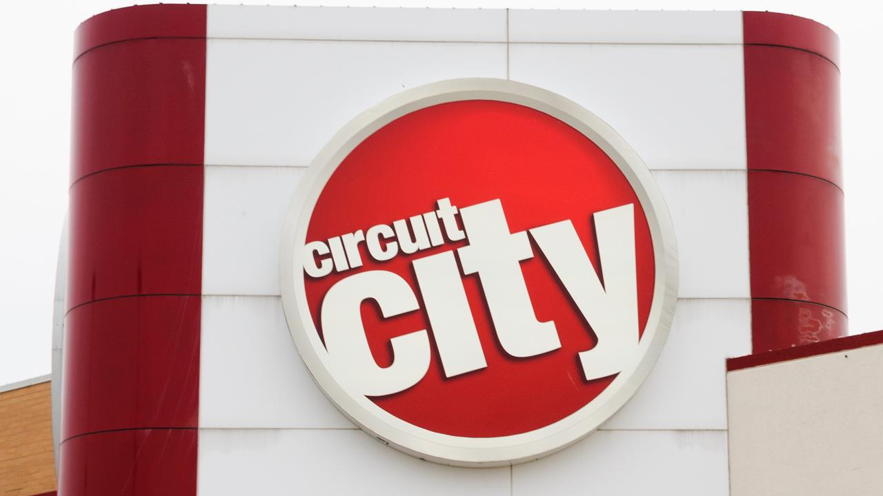 FBN's Stuart Varney on Circuit City, which is planning a retail comeback after filing bankruptcy 10 years ago.