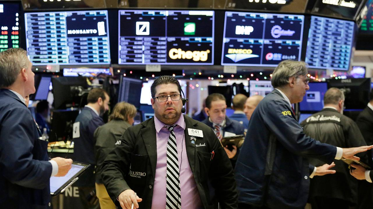 Douglas Kass, of Seabreeze Partners Management, on why he has a bearish outlook for stocks.