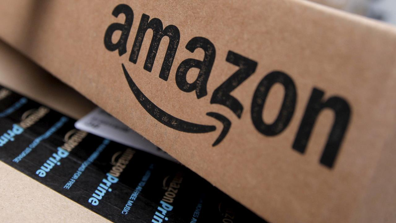 Point View Wealth Management's David Dietze and Kingsview Asset Management's Scott Martin on reports Amazon could expand into the banking sector.