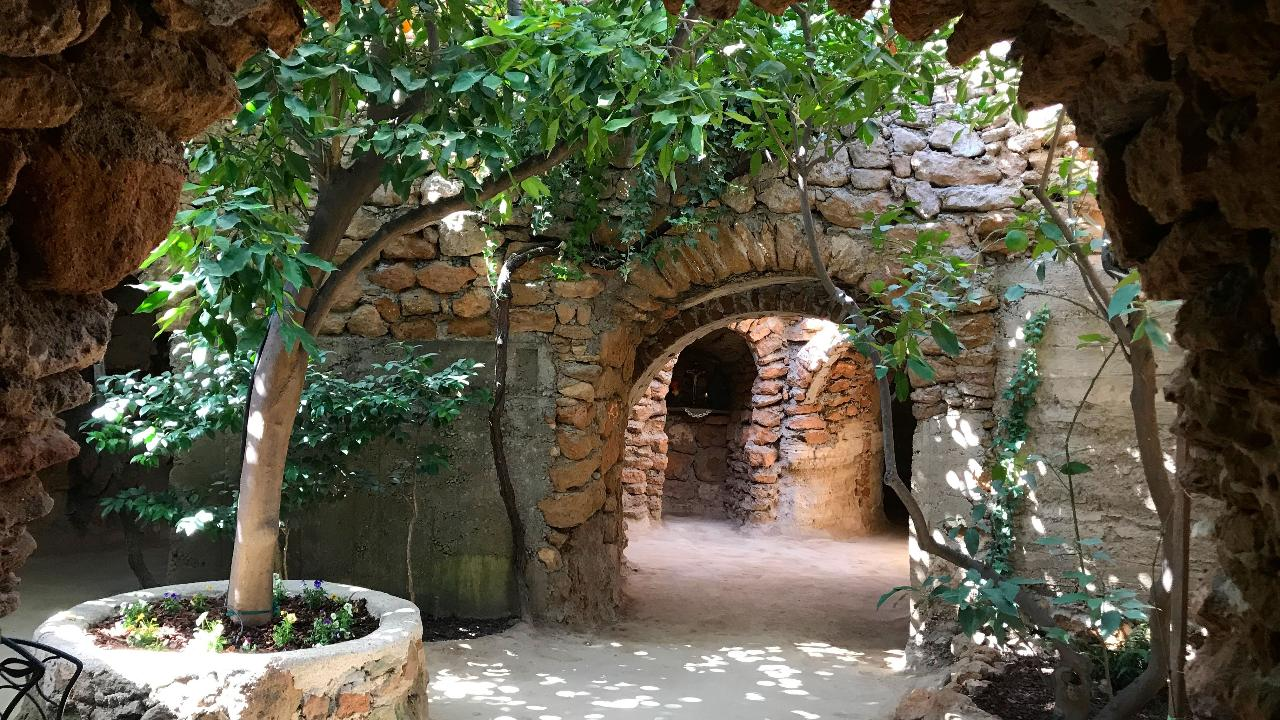 Heirs feud over 20 acres of elaborate tunnels, rooms and gardens dug by their uncle, who emigrated from Sicily in 1906.
