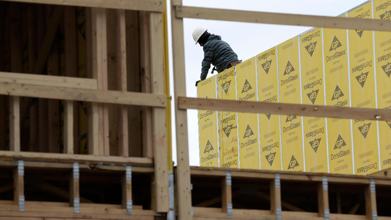 Former Reagan Economist Art Laffer on the outlook for the U.S. housing market.