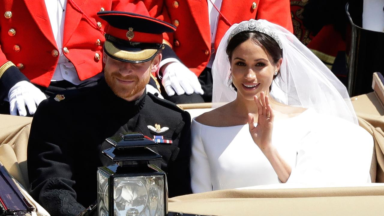 FBN's Melissa Francis and David Asman on how the gifts that were distributed to guests at the Royal Wedding are being sold online.