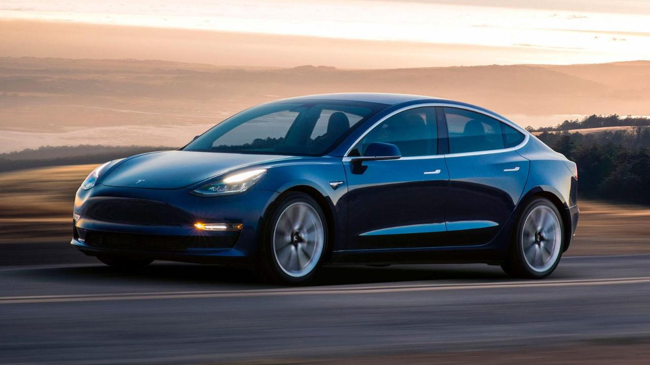 FoxNews.com Automotive Editor Gary Gastelu on Consumer Reports not giving Tesla's Model 3 its recommendation.