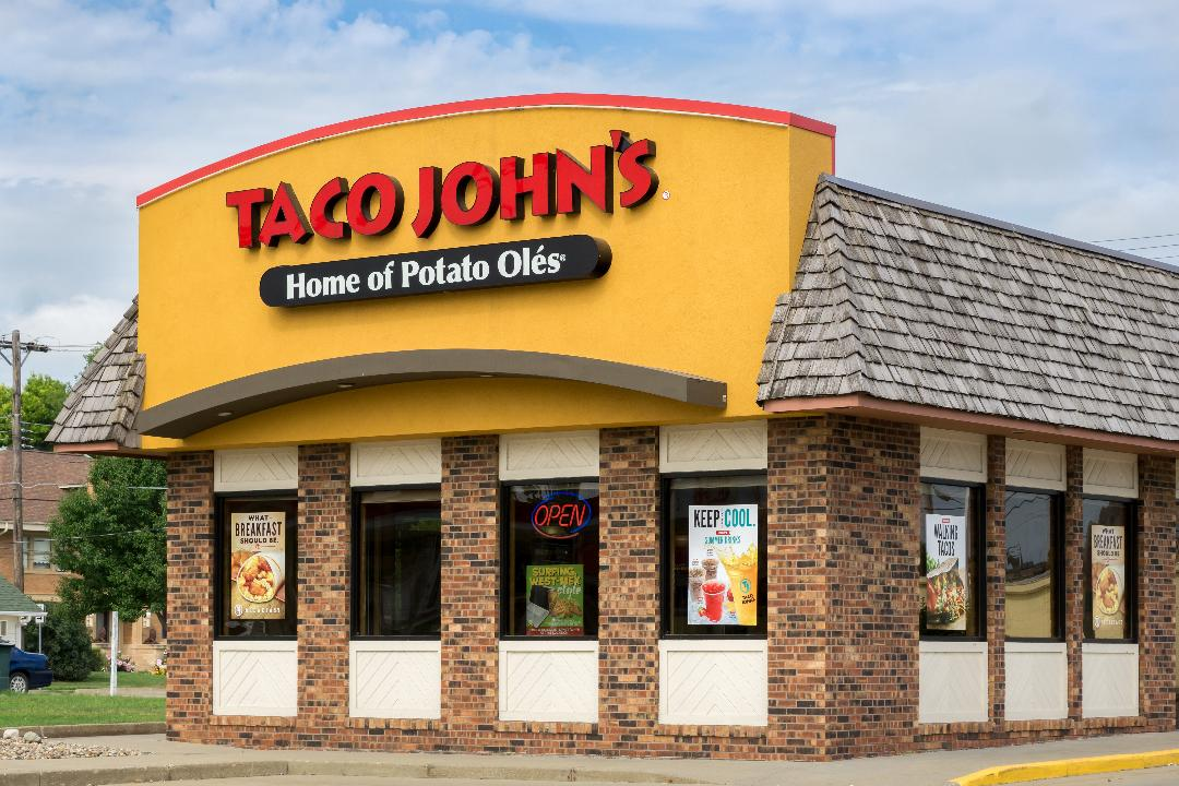Taco John's franchise owner Tamra Kennedy explains why she's struggling to find teenagers to work at her fast food restaurants.