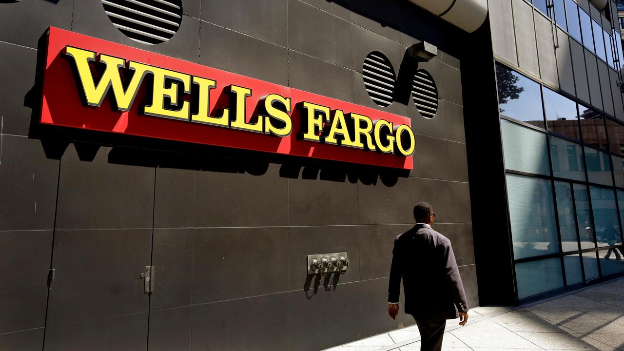 Height Capital Markets senior banking analyst Ed Groshans discusses whether investors should still keep Wells Fargo in their portfolios, despite the recent report that the bank's employees altered documents about business clients.