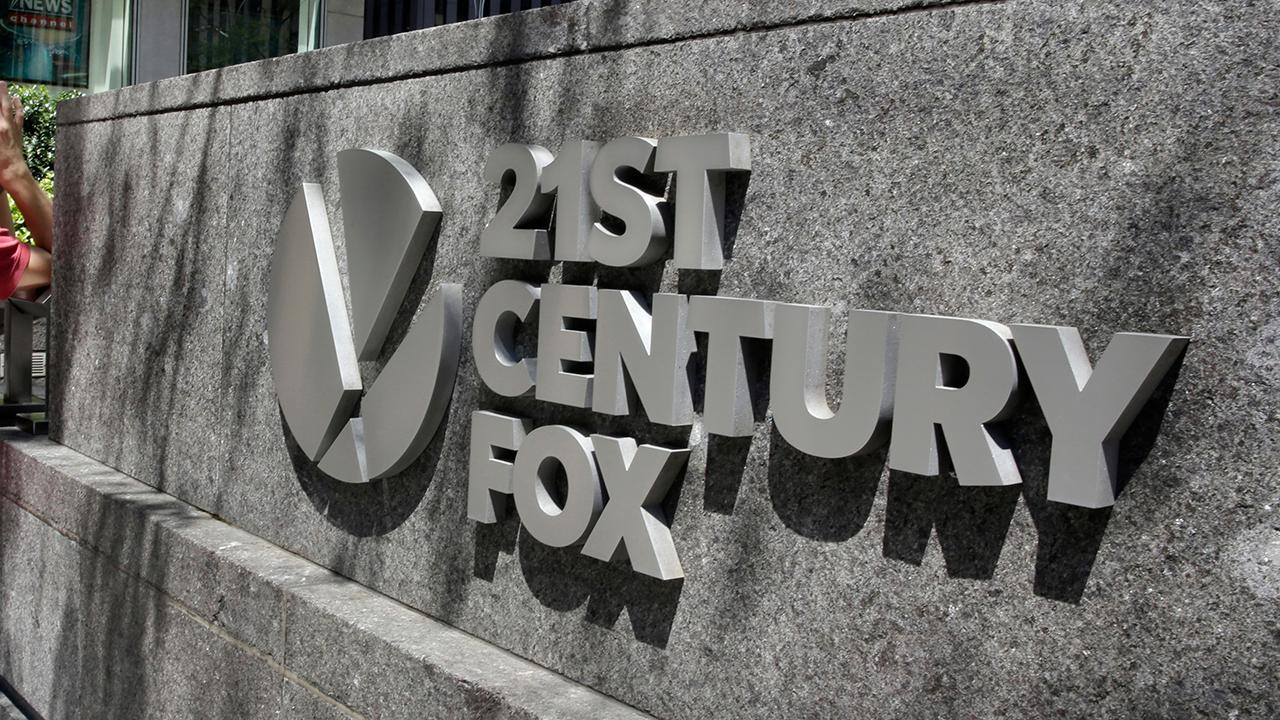 FBN's Edward Lawrence discusses Comcast's $65 billion bid for 21st Century Fox assets.